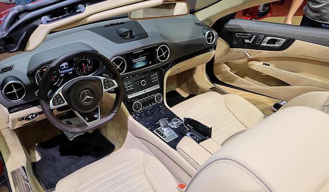 Nội thất Mercedes SL 400 thiết kế tinh tế, đẳng cấp, mạnh mẽ