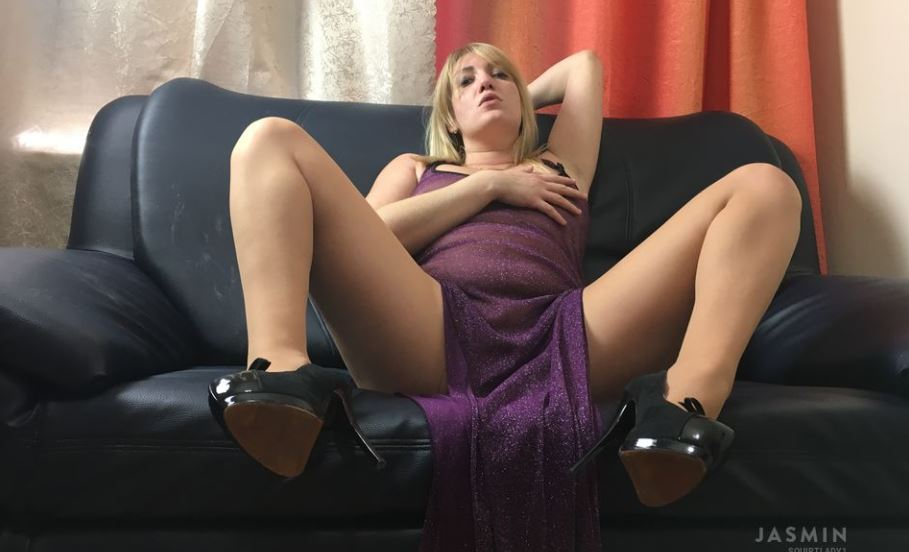 SquirtLady1 Model GlamourCams