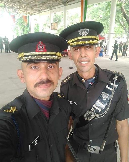 Rohtak's two brothers became lieutenants in the army.  रोहतक के दो भाई सेना में बने लेफ्टिनेंट ।