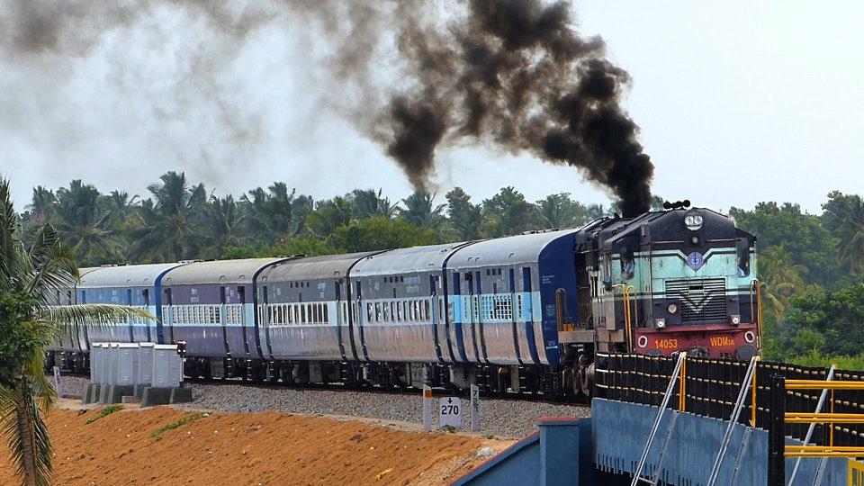 दुर्गापूजा से पहले बढ़ी मुश्किल , शताब्दी समेत 75 ट्रेनें 15 सितंबर तक रद्द