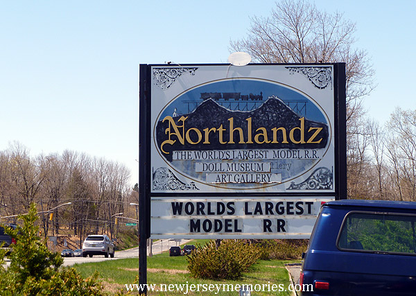 Northlandz sign