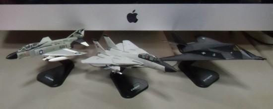ミニチュア軍用機(1/100スケール3機種)