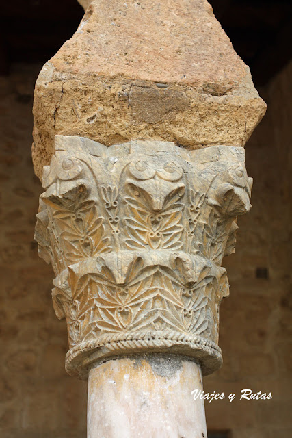 Capiteles de San Miguel de Escalada