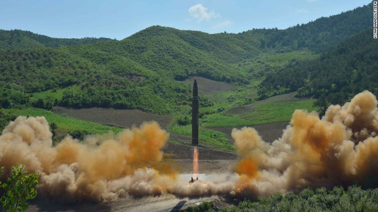 Μια φωτογραφία από το κεντρικό πρακτορείο ειδήσεων της Βόρειας Κορέας (KCNA)