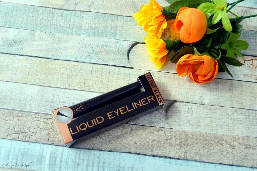 eyeliner płynny czerń