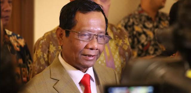 "Helmi Felis Tuding Mahfud MD Omong Kosong, ""Jangan Bicara Alam Ghaib Fud"""