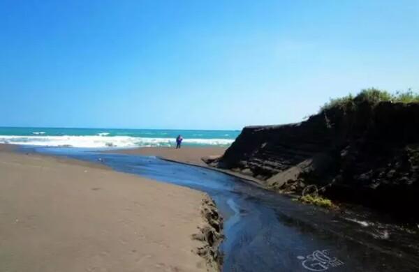 Pesona 8 Wisata Pantai Di Purworejo Yang Hits 2020 ...