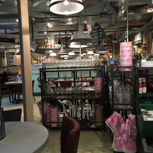 EATS:Bill's Trafford Centre