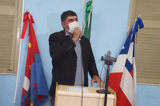 """Presidente da Câmara de Olindina comenta sobre primeiros 100 dias da gestão de Luiz Alberto: """"Tem procurado organizar"""""""