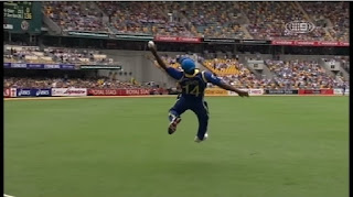 Rangana Herath takes a Outstanding Catch to Dismiss Matthew Wade Highlights