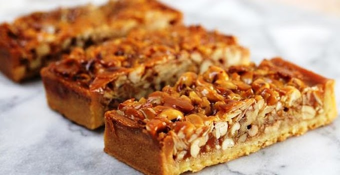 Карамельний пиріг з горіхами: покроковий рецепт