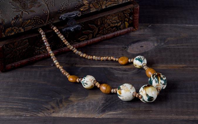 Halskette Keramikperlen