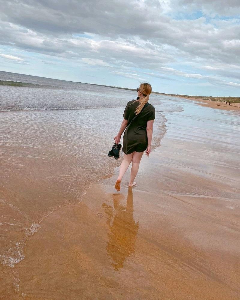 Walking barefoot on Fraserburgh beach