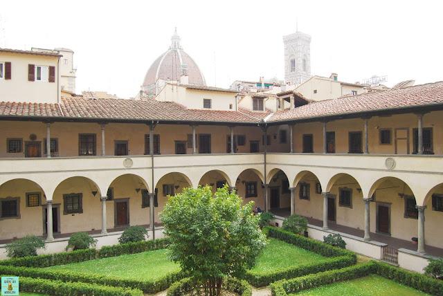 Claustro de la Basílica de San Lorenzo en Florencia