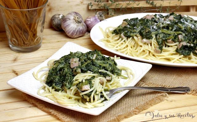 Espaguetis con salsa de espinacas y queso. Julia y sus recetas