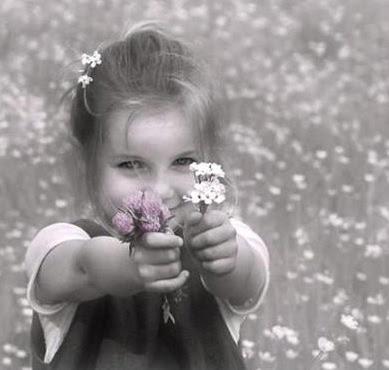 Risultati immagini per immagini ragazzini amicizia, felicità anche sotto la pioggia - senza ombrello