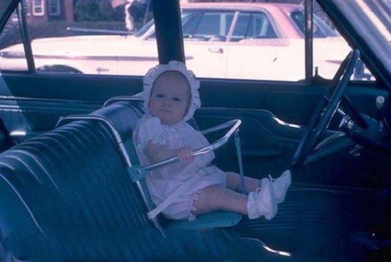 La sécurité automobile d'autrefois !!!! Vintage-baby-car-seats-11