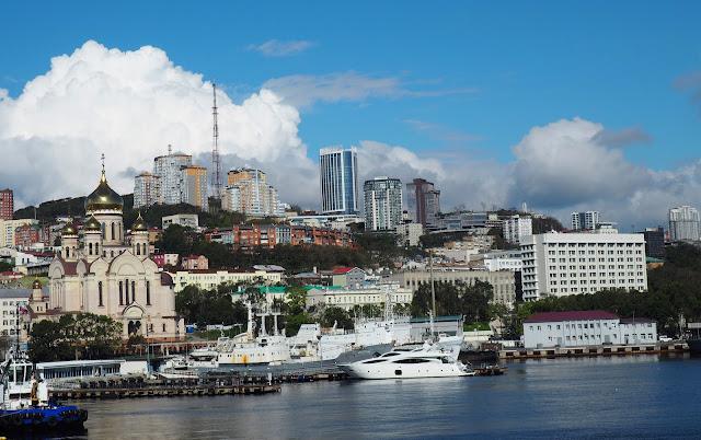 Вид на центр Владивостока