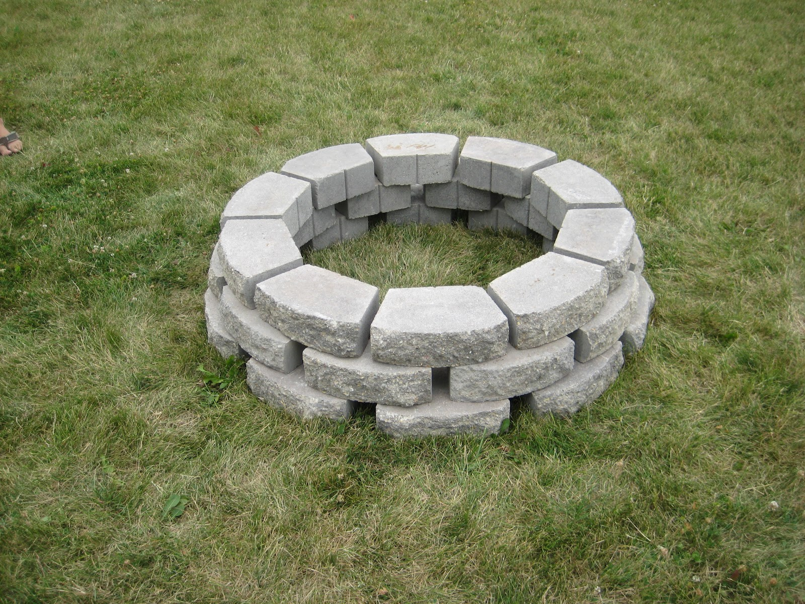 Momma In Flip Flops2!: DIY Homemade Fire Pit thanks to # ...