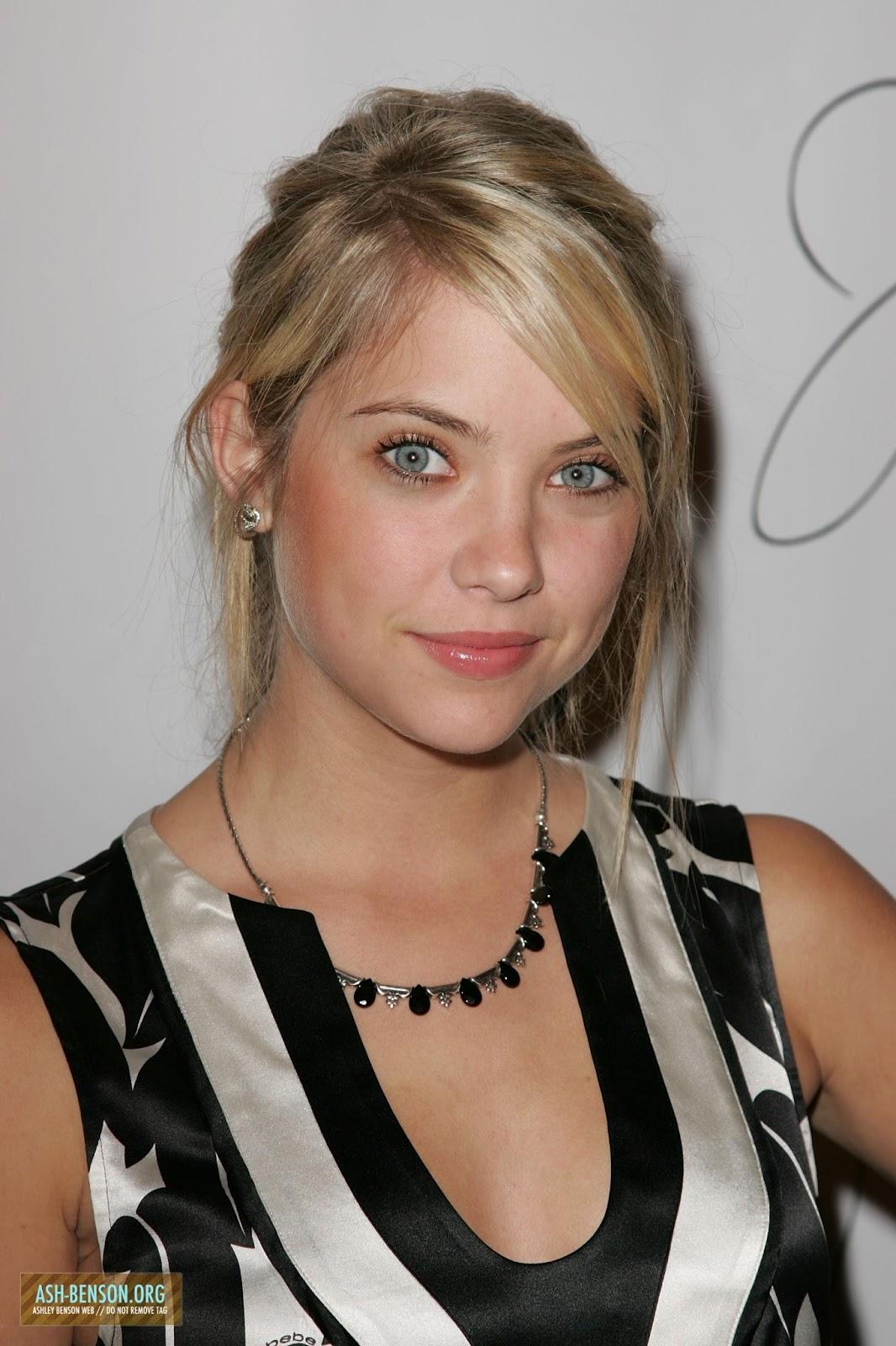 Ashley Benson Talks Chronically Metropolitan Dating: Red Carpet Dresses: Ashley Benson