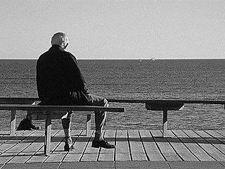 Resultado de imagen para abuelo mirando el mar