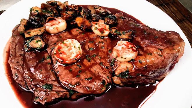 Côte de boeuf ou entrecôte grillée Bordelaise