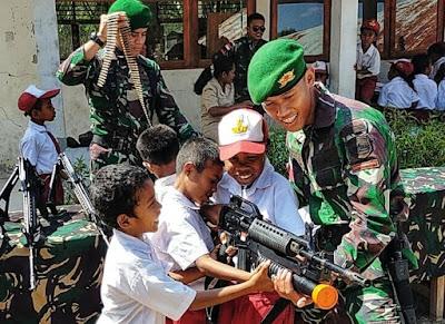 Peringati Hari Sumpah Pemuda, Satgas Yonif 132/BS Gelar Pameran Alutsista di Perbatasan