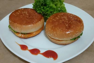 meat burger recipe, burger recipe, juicy meat burger recipe by thehoggerz.com