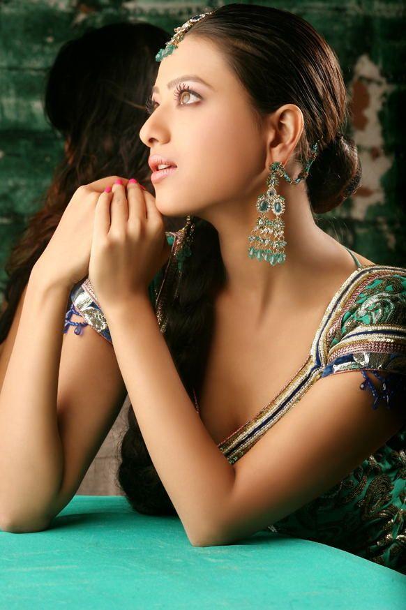 Tamil Celebrity Pictures: Cute mallu girl Gopika   Hot HQ