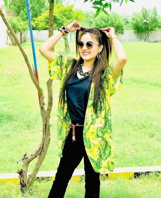 Rebecca Khan Biography, Boyfriend, Rebecca Khan Tik tok, Birthday, Pics, Videos, Hit Pics, New Song, Age, Father, Mother, Instagram
