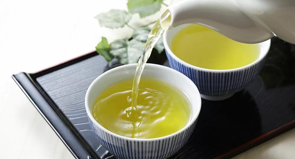 ماذا يحدث لجسمك إذا شربت الشاي الأخضر كل يوم؟