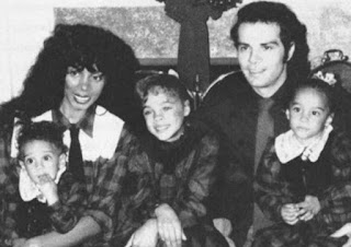 Childhood picture of Mimi Sommer with her parents & siblings