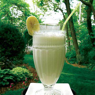 IC Friendly Recipes: Banana Ginger Energy Smoothie