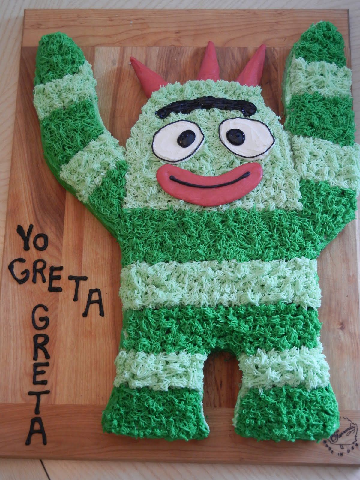 Sugar Swings Serve Some Yo Gabba Gabba Brobee Cake