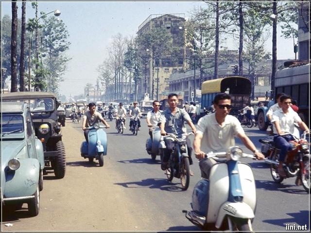 Tham gia giao thông Sài Gòn xưa