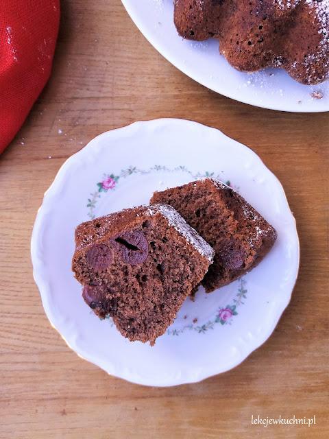 Babka czekoladowa z wiśniami ucierana przepis