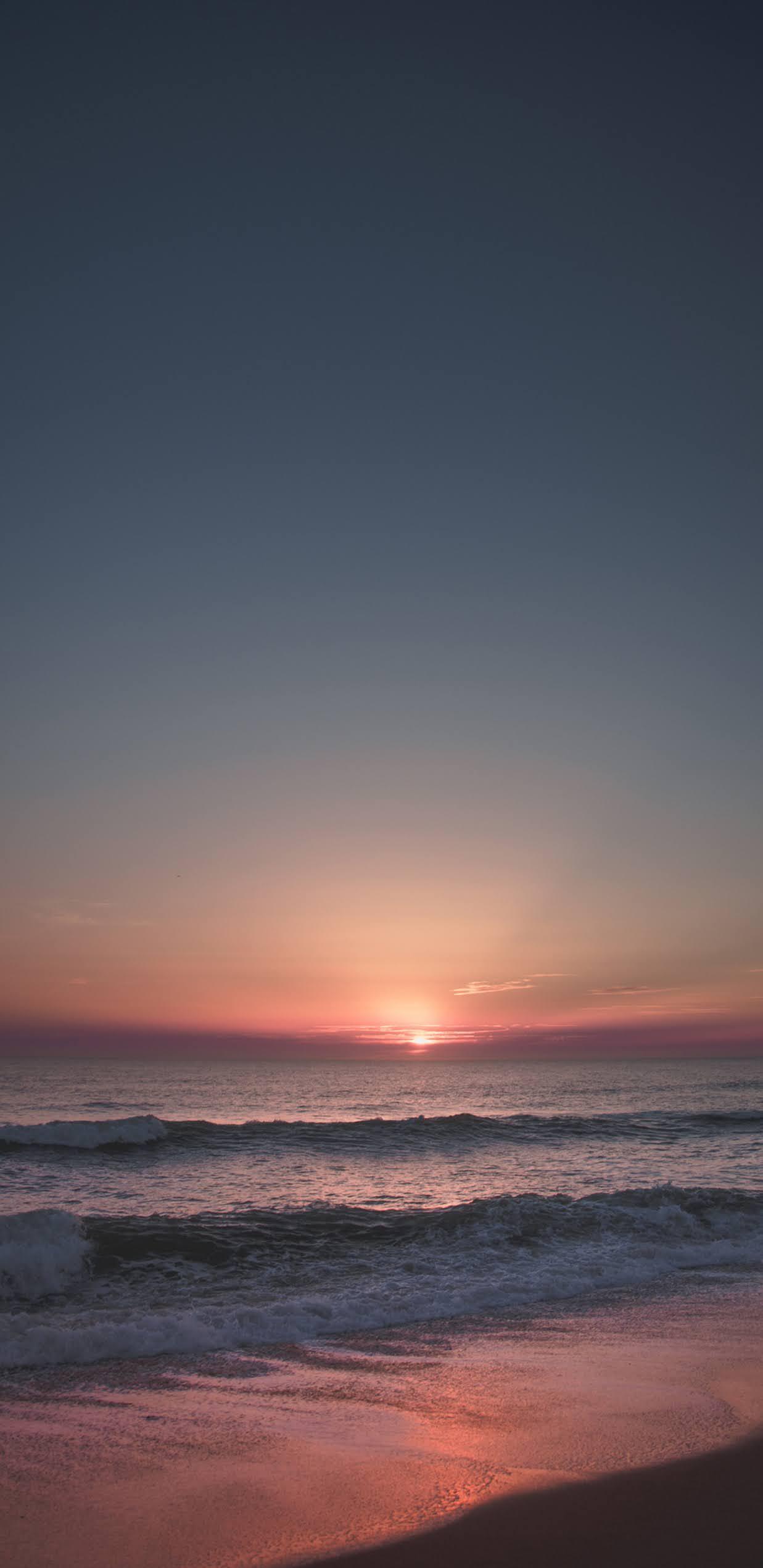 Hoàng hôn trên bờ biển siêu lãng mạn