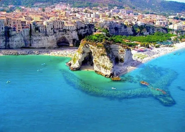 4- Sorrento a coastal city in southwestern Italy