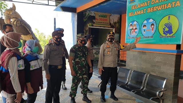 Intens TNI Polri Sosialisasikan 3M Bagi Pengunjung Wisata di Wilayah Hukum Polres Majalengka