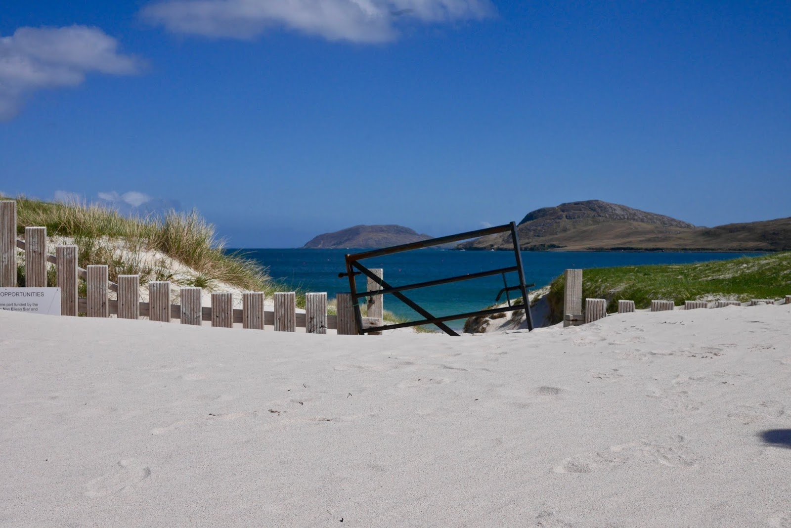 Traigh a Bhaigh beach in Vatersay by Cal McTravel of www.CalMcTraves.com