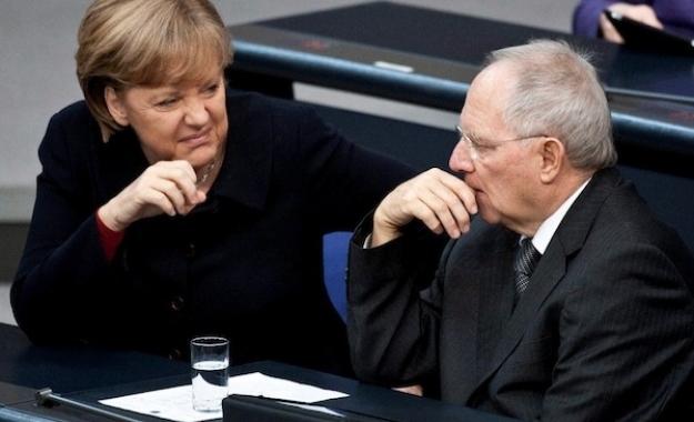 Spiegel: O Σόιμπλε μετέτρεψε το Eurogroup σε όργανο άσκησης εξουσίας