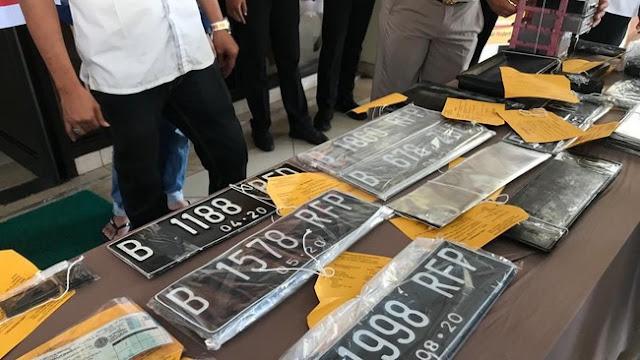 Terbongkar Sindikat Pemalsuan STNK Nopol 'RFP'