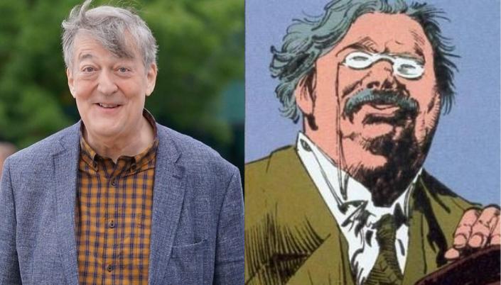 Montagem de uma imagem dividida em duas. A da esquerda é um homem de cerca de 60 anos, branco, sem barba, olhos azuis, cabelo grisalho curto e usa terno. Ele está sorrindo. Ao lado é um desenho de um homem  branco com óculos na ponta do nariz, bigode, e ele tem cabelo grisalho.
