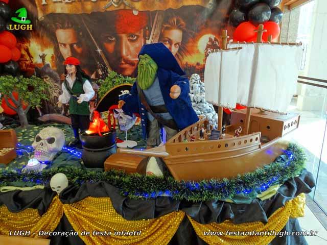 Decoração mesa de aniversário tema Piratas do Caribe