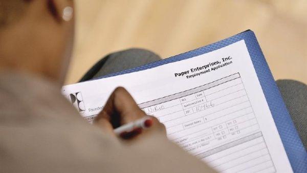 Casi 3 millones de desempleados nuevos piden subsidio en EE.UU.