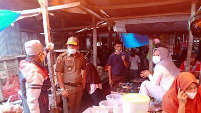 Satpol PP Lakukan Pengawasan Ketat Masker di Pasar Soppeng