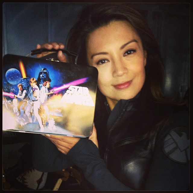 ming-na wen with star wars lunch box