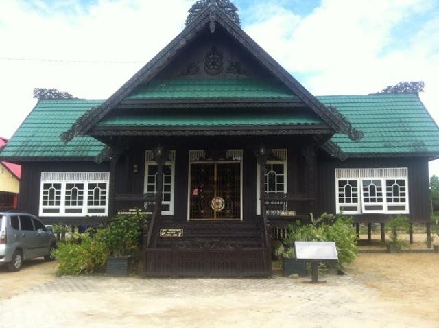Rumah Adat Provinsi Kalimantan Utara (Rumah Baloy)