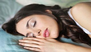 Μια μελέτη δείχνει πως όσοι βαριούνται να σηκωθούν από το κρεβάτι είναι πιο έξυπνοι