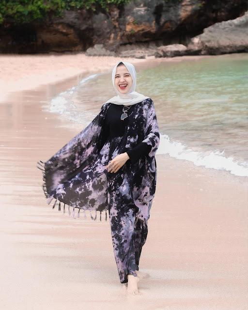 Pantai Ngrenehan, Pesona Teluk di Tengah Perbukitan
